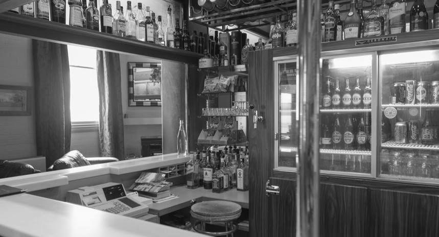 Hotel Bar & Dining