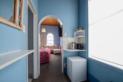 modern-rooms-thumb.jpg